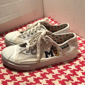 Vintage 90s Disney Mickey Unlimited 'M' Sneakers